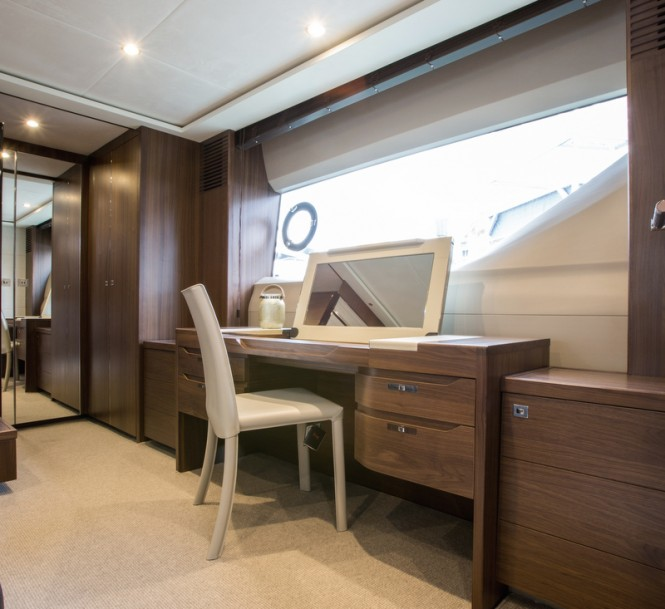 Princess S72 Yacht - Owners Dressing Table