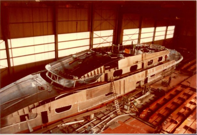 1985 superyacht Cleopatra C (ex My Gail III) under construction