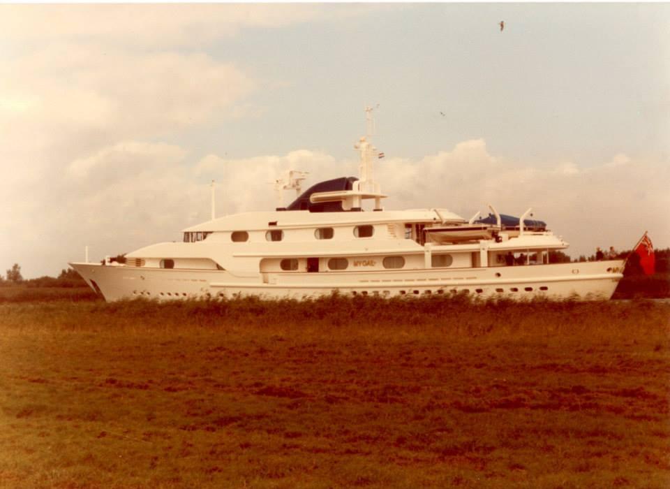 Nabila khashoggi yacht