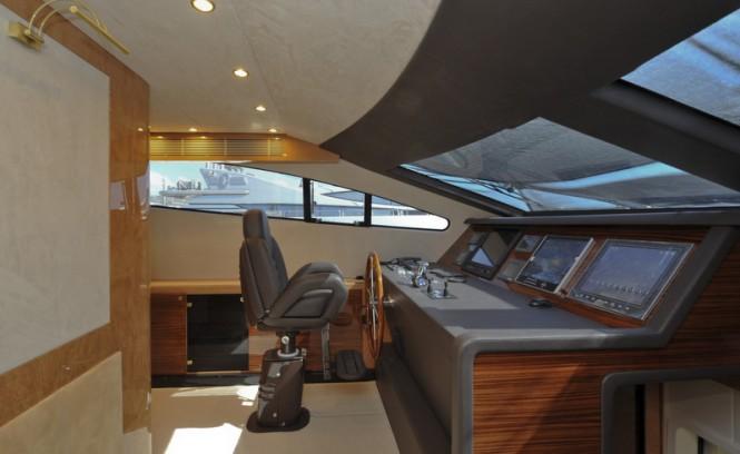 Amer 92 Yacht - Wheelhouse