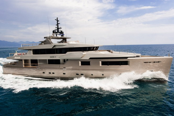 Cacos V Yacht - side view