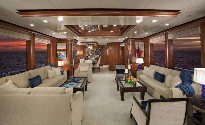 Luxury yacht Aurora - Saloon