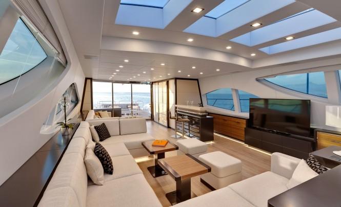 Mangusta 110 superyacht - Saloon