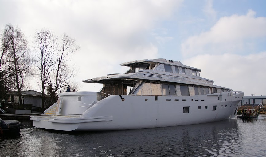 Designed by Dubois - Feadship 689 super yacht - Photo by Kees Torn