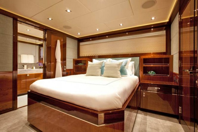 Finish Line Yacht - Cabin