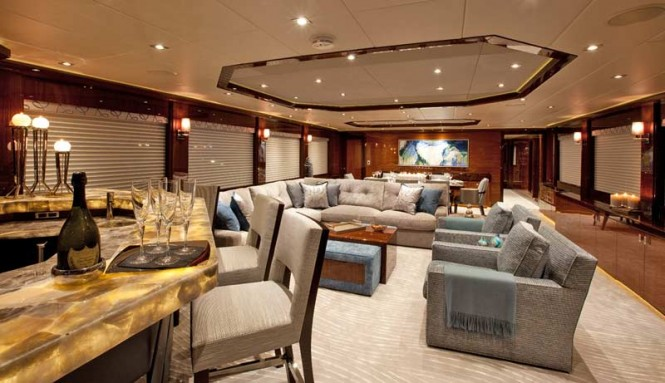 Luxury yacht Finish Line - Salon