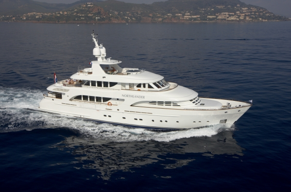 Moonen 124 luxury charter yacht Northlander