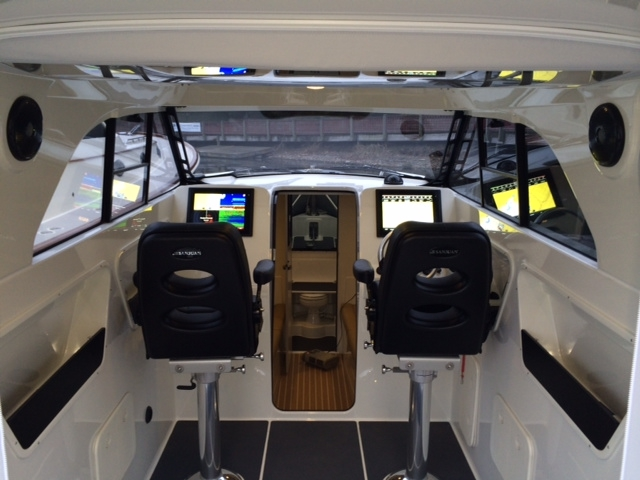 SJ32 luxury yacht tender - Pilothouse
