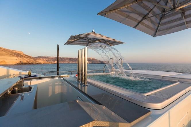 Superyacht Ocean Paradise - Sundeck