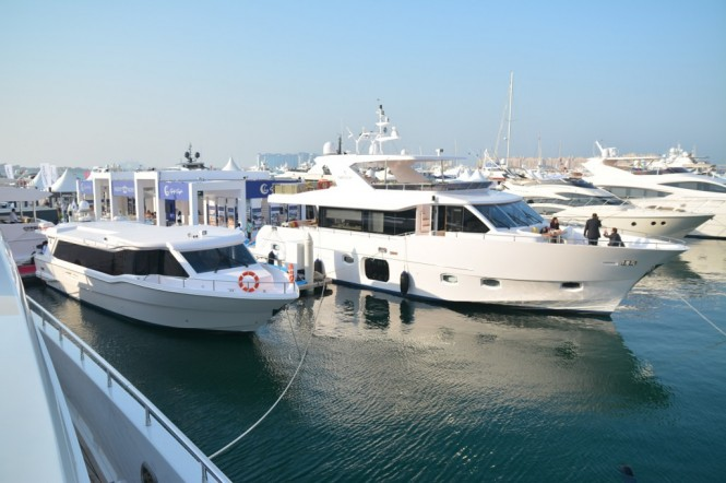 Waveshuttle 56 and Gulf 75 Exp Yacht at the Dubai International Boat Show