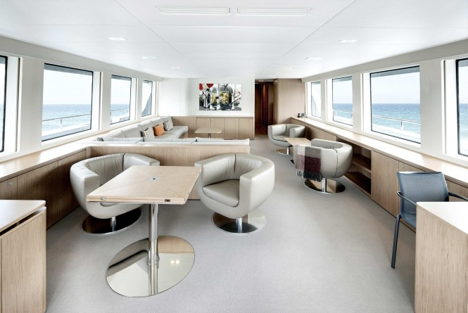 Black Pearl superyacht - Saloon