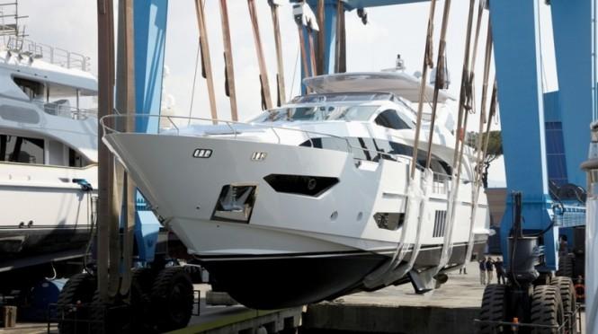 Luxury yacht Azimut Grande 95RPH