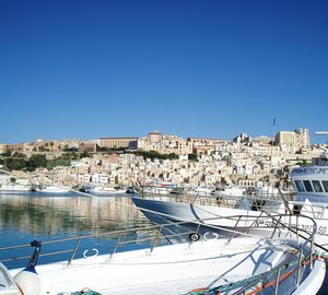 Southern Italy and Sicily Yacht Charters aboard 27m Motor Yacht ARIA