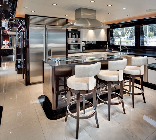 W112 Yacht - Galley