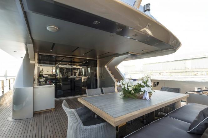Zahraa Yacht - main deck