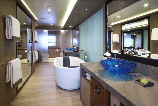 Luxury Yacht Lady M Master Cabin