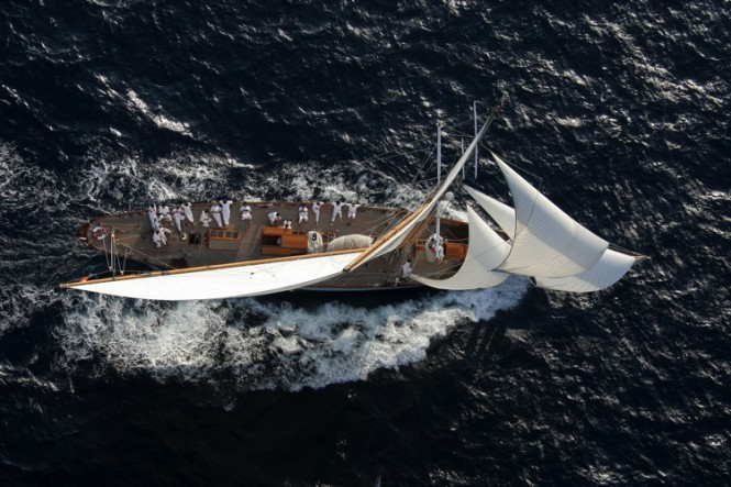 1914 yacht MOONBEAM from above