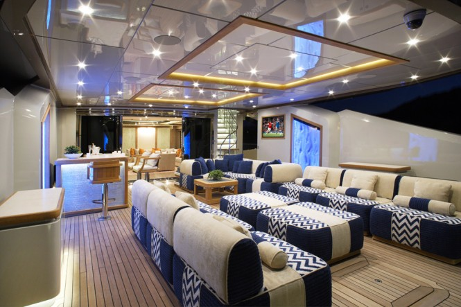 Palmer Johnson PJ210 yacht Lady M - Main Deck