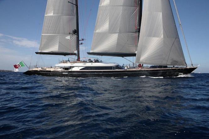 Luxury sailing yacht Seahawk