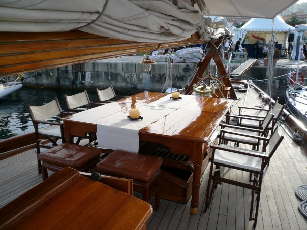 Luxury super yacht MOONBEAM IV - Deck