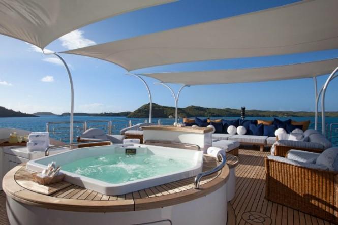 Motor Yacht STARFIRE - Spa Pool