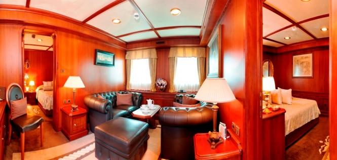 SEAGULL II superyacht - VIP Lounge on upper deck