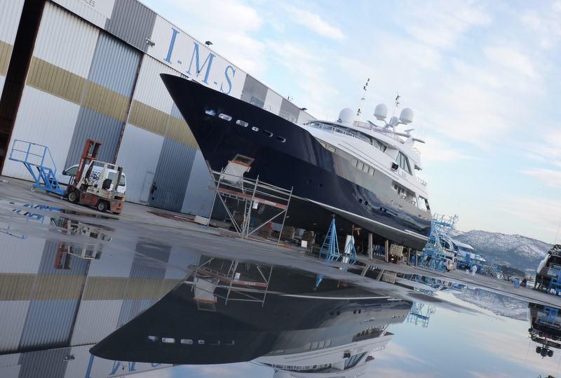 Site IMS 300 — Yacht Charter & Superyacht News