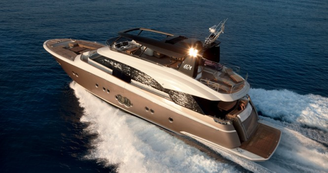 Superyacht MCY 86