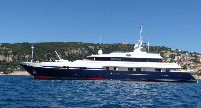 Luxury Motor Yacht Double Trouble After A Full Hull Wrap