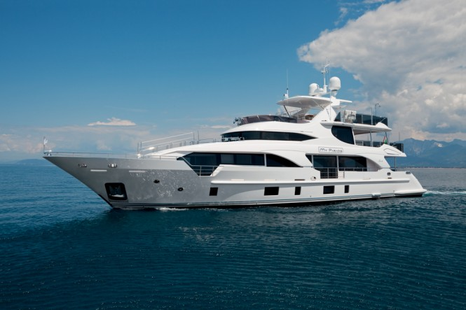 Luxury superyacht MY PARADIS