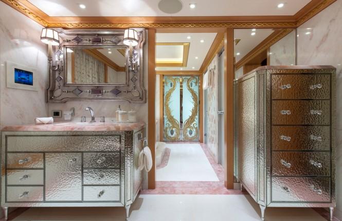 Mega yacht Solandge - Owners Bathroom - Photo by Klaus Jordan