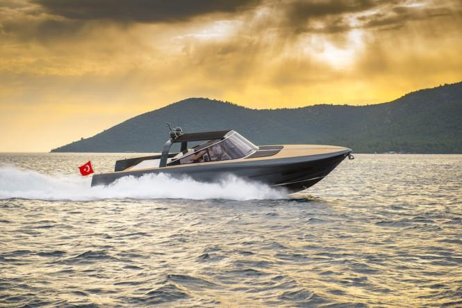 Motor Yacht IGUAZU - Running