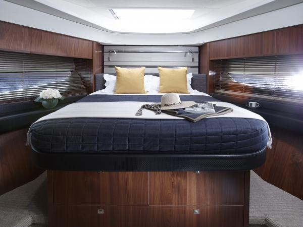 S72 Yacht - Forward Cabin