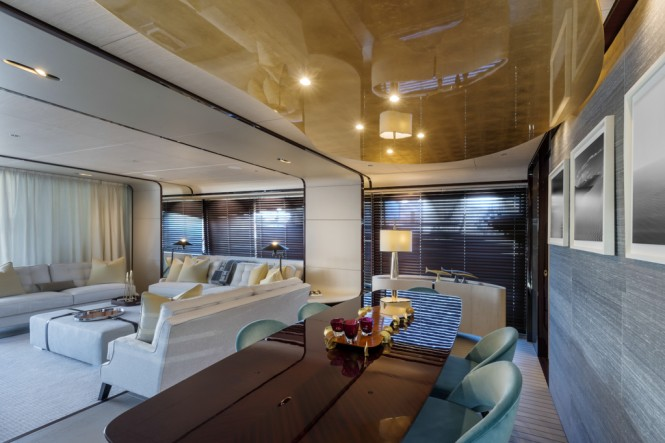 Azimut Grande 95RPH superyacht - dining and saloon