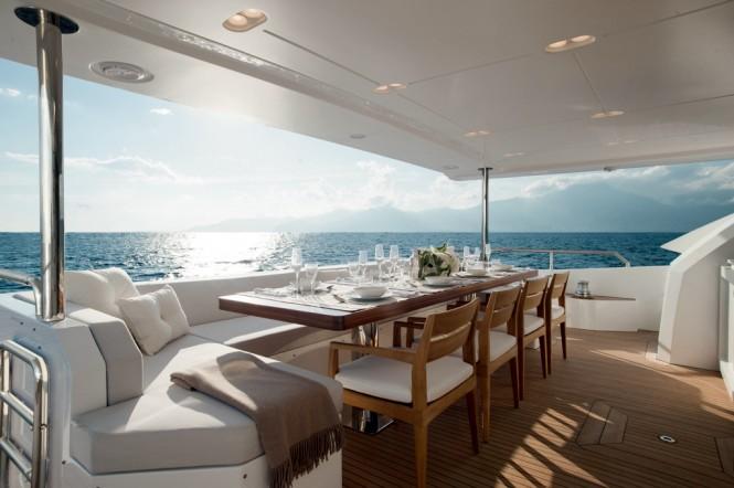 Azimut Grande 95RPH yacht - Cockpit