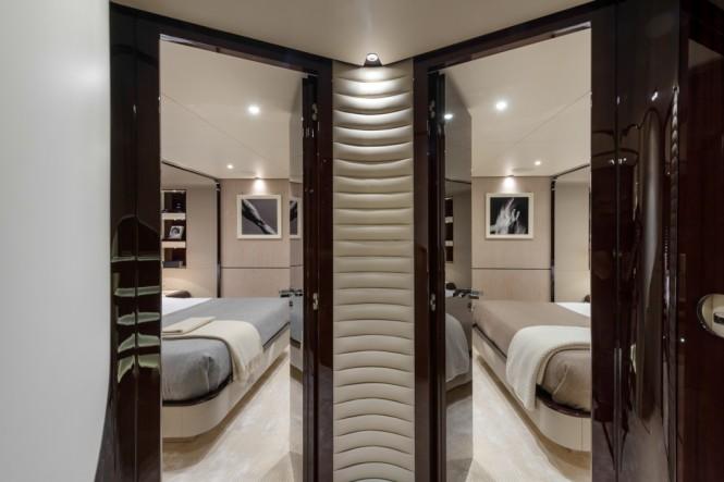 Azimut Grande 95RPH yacht - lobby