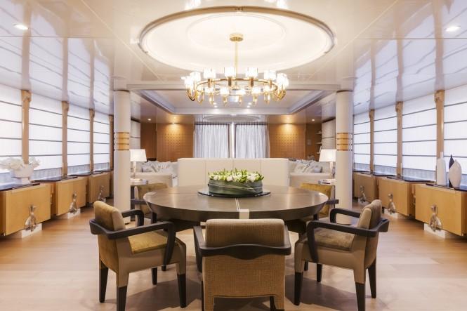 Luxury motor yacht Amore Mio 2 - Dining