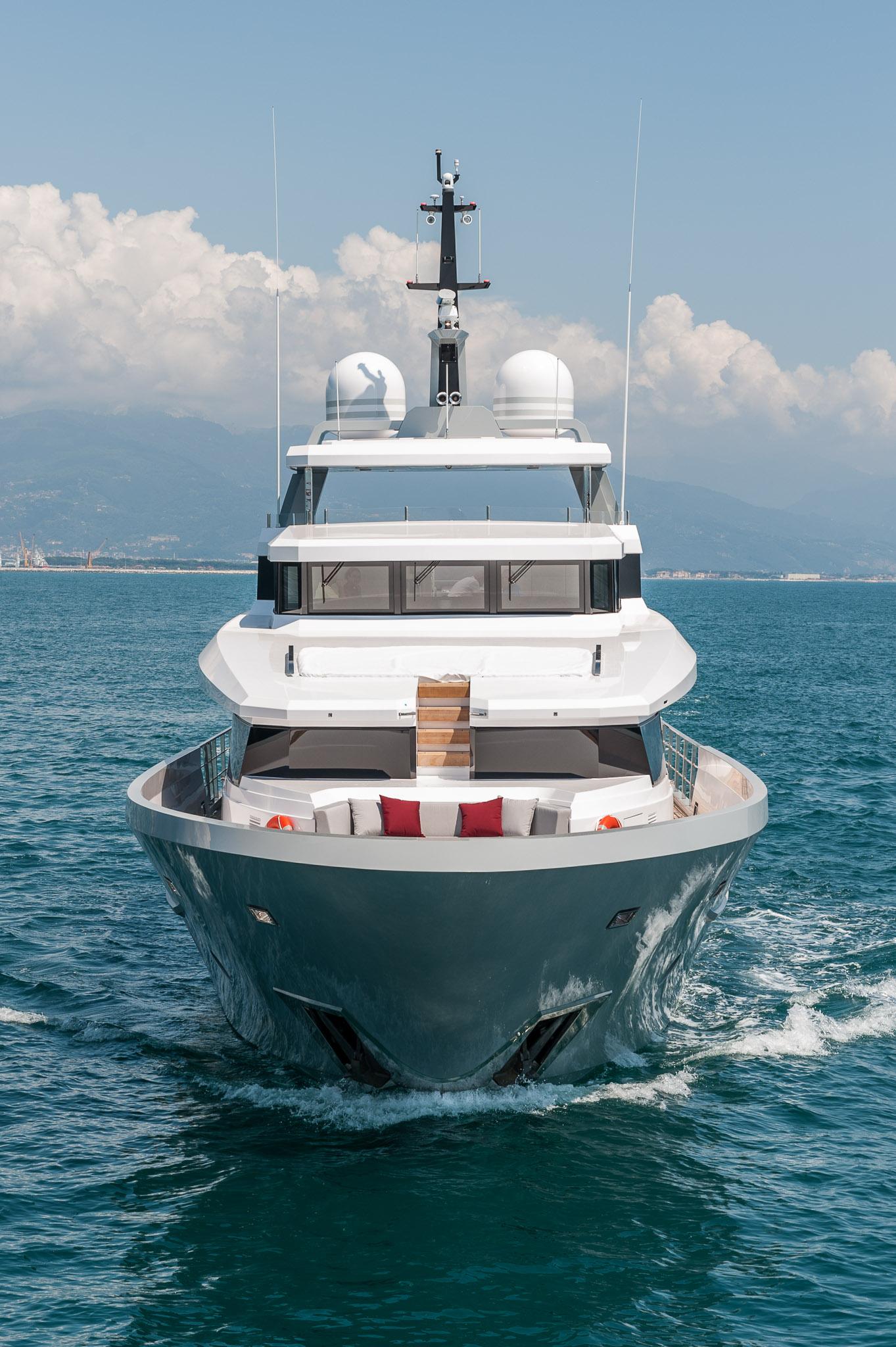 Luxury Motor Yacht Foam Yacht Charter Superyacht News