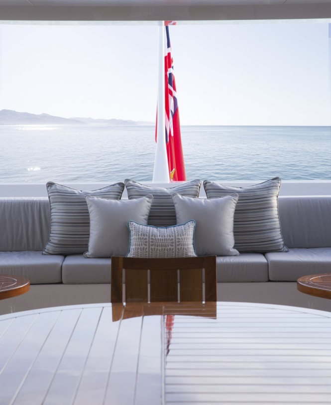Luxury super yacht TURQUOISE - Deck Detail