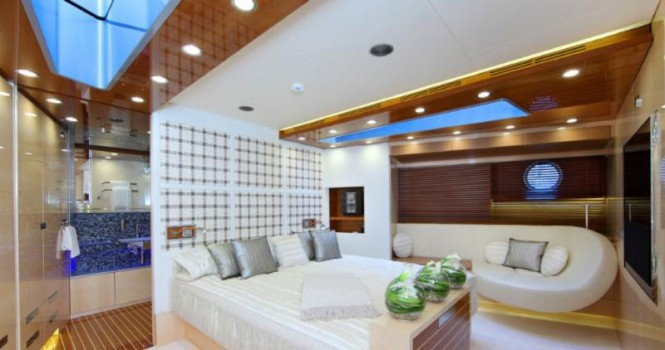 Luxury yacht AeroCruiser 38 II FLY - Cabin