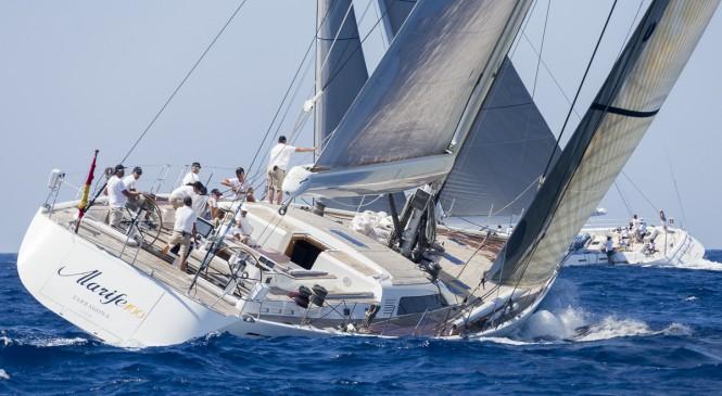 Luxury yacht Alarife