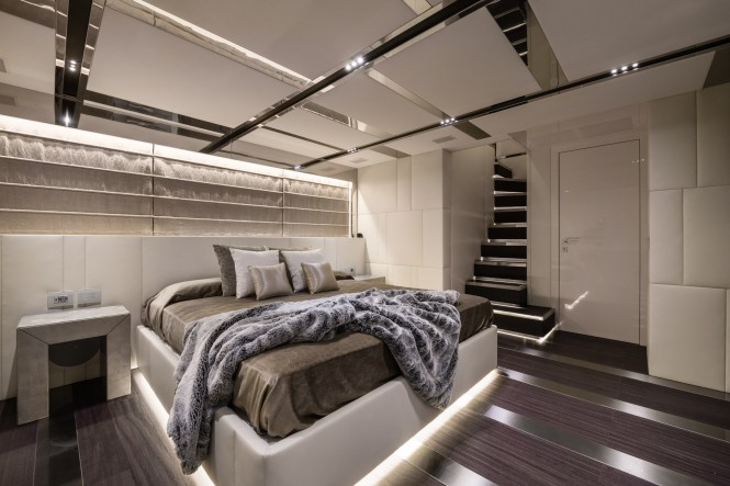 Luxury yacht FOAM - Interior