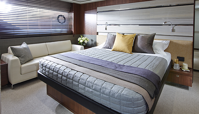 Luxury yacht S72 - Cabin