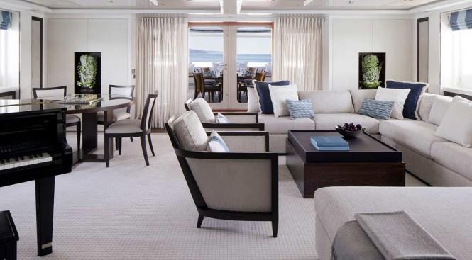 Luxury yacht Turquoise - Sky Lounge