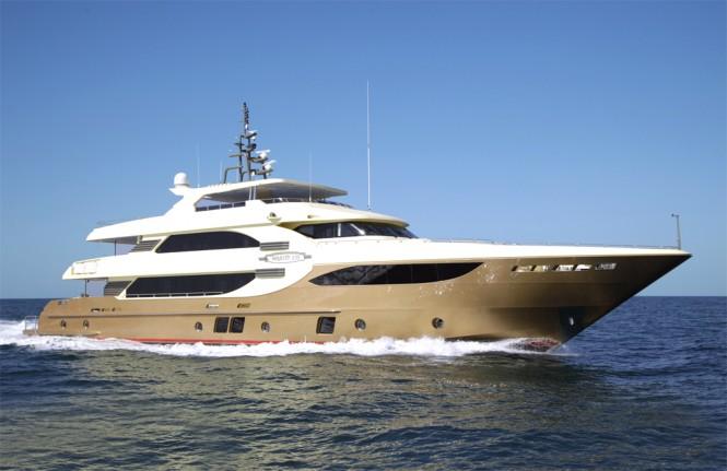 Majesty 135 motor yacht Lady Tahiti