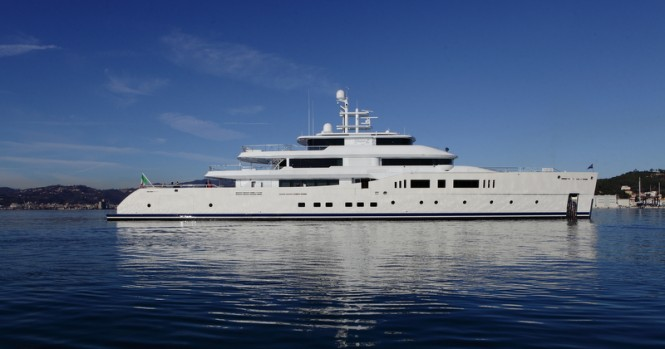 Mega yacht Grace E - side view