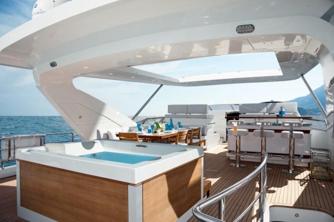 Motor Yacht Azimut Grande 95RPH Flybridge