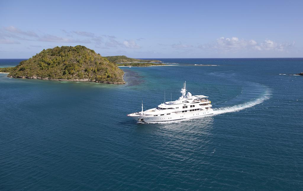 Motor Yacht Starfire cruising the Mediterranean — Luxury Yacht Charter & ...