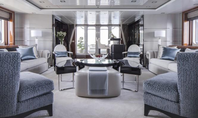 Motor Yacht Turquoise - Main Saloon