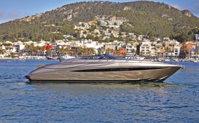 Motor yacht SAKURA - a Riva Rivale 52 yacht - Image credit to easyboats.com